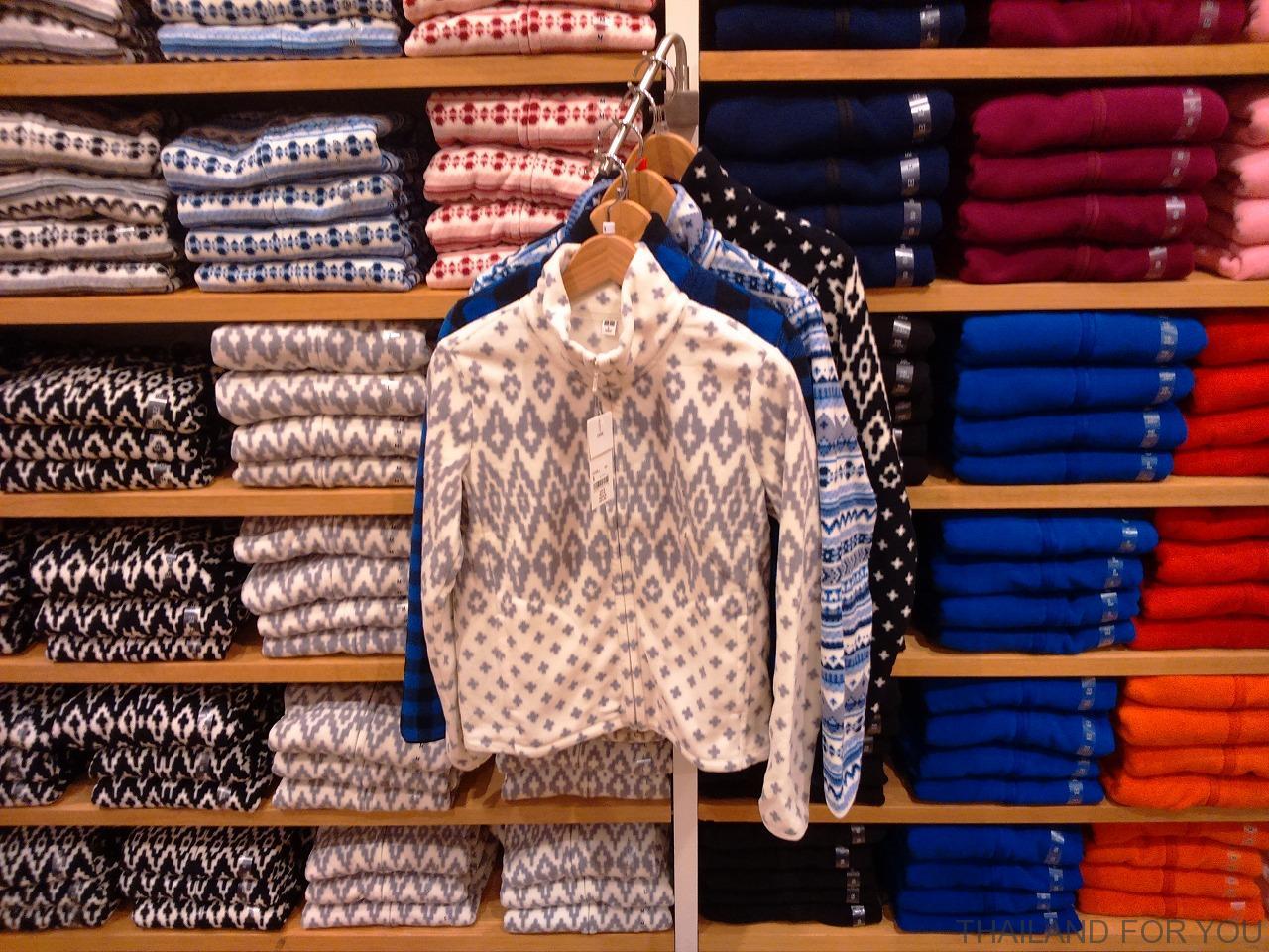 バンコクのユニクロの冬服(フリース)