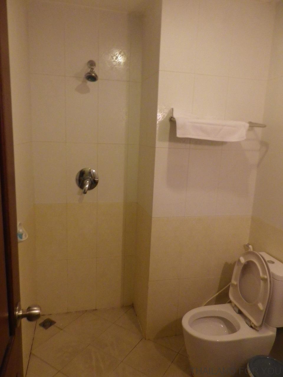 ビエンチャン・ラオゴールデンホテルのバスルームの写真