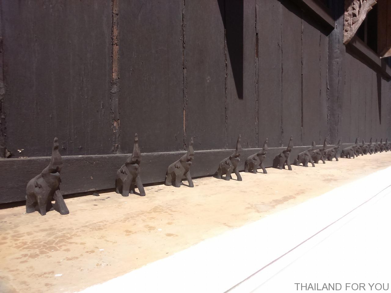 チェンライ 黒い家 ブラックハウス 写真