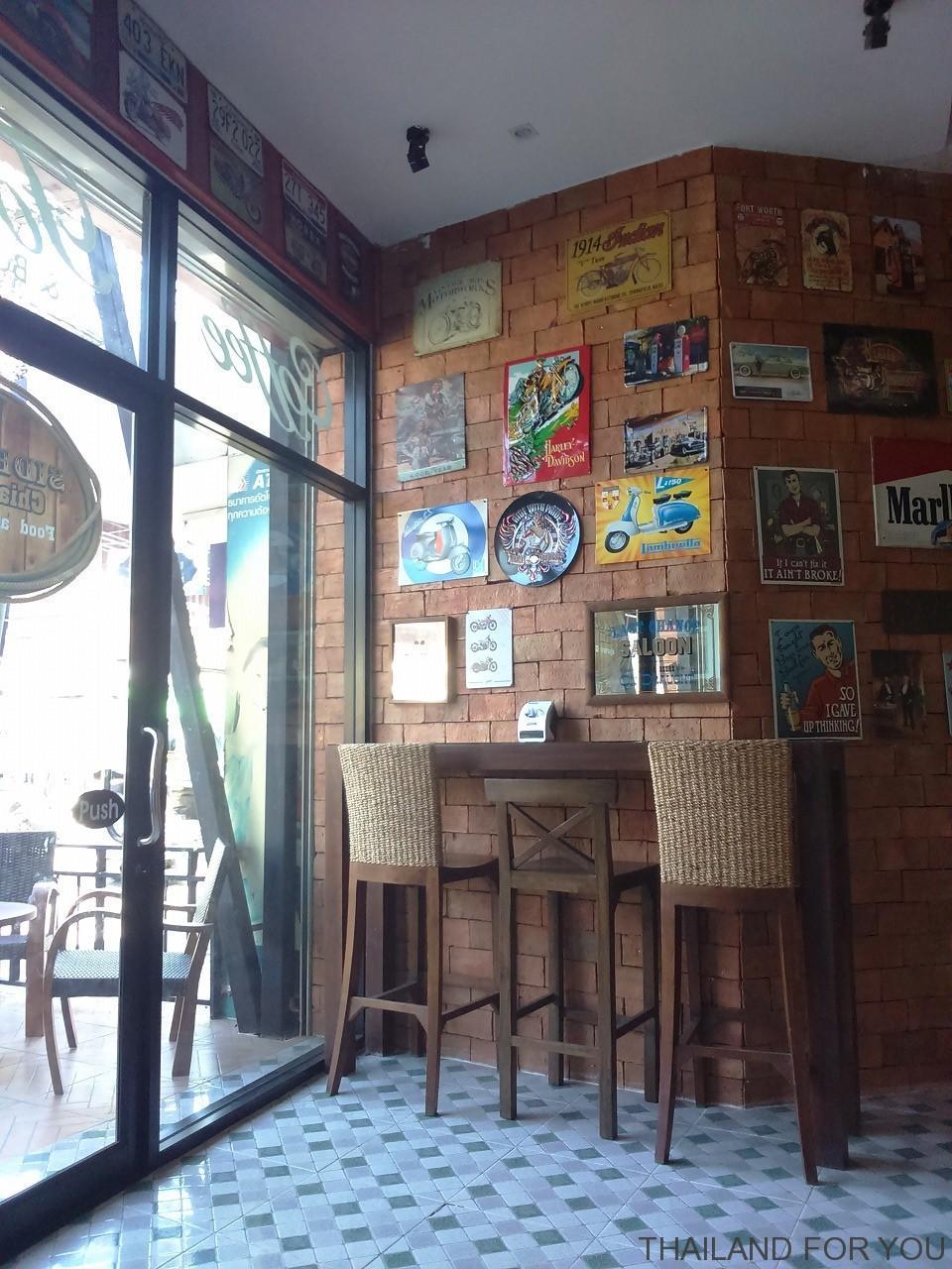SIDE ROAD チェンマイ カフェレストラン