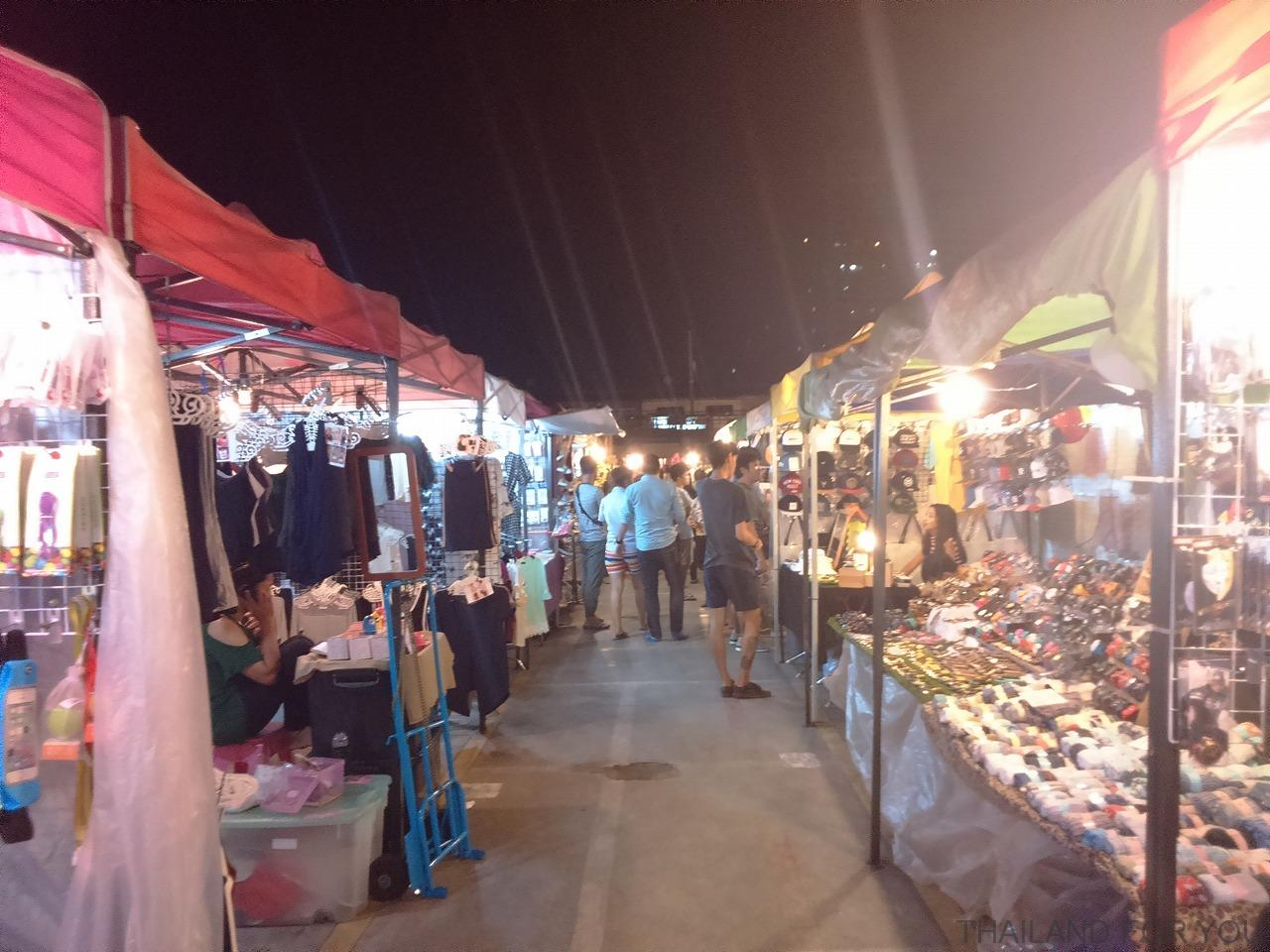 ratchada night market-18
