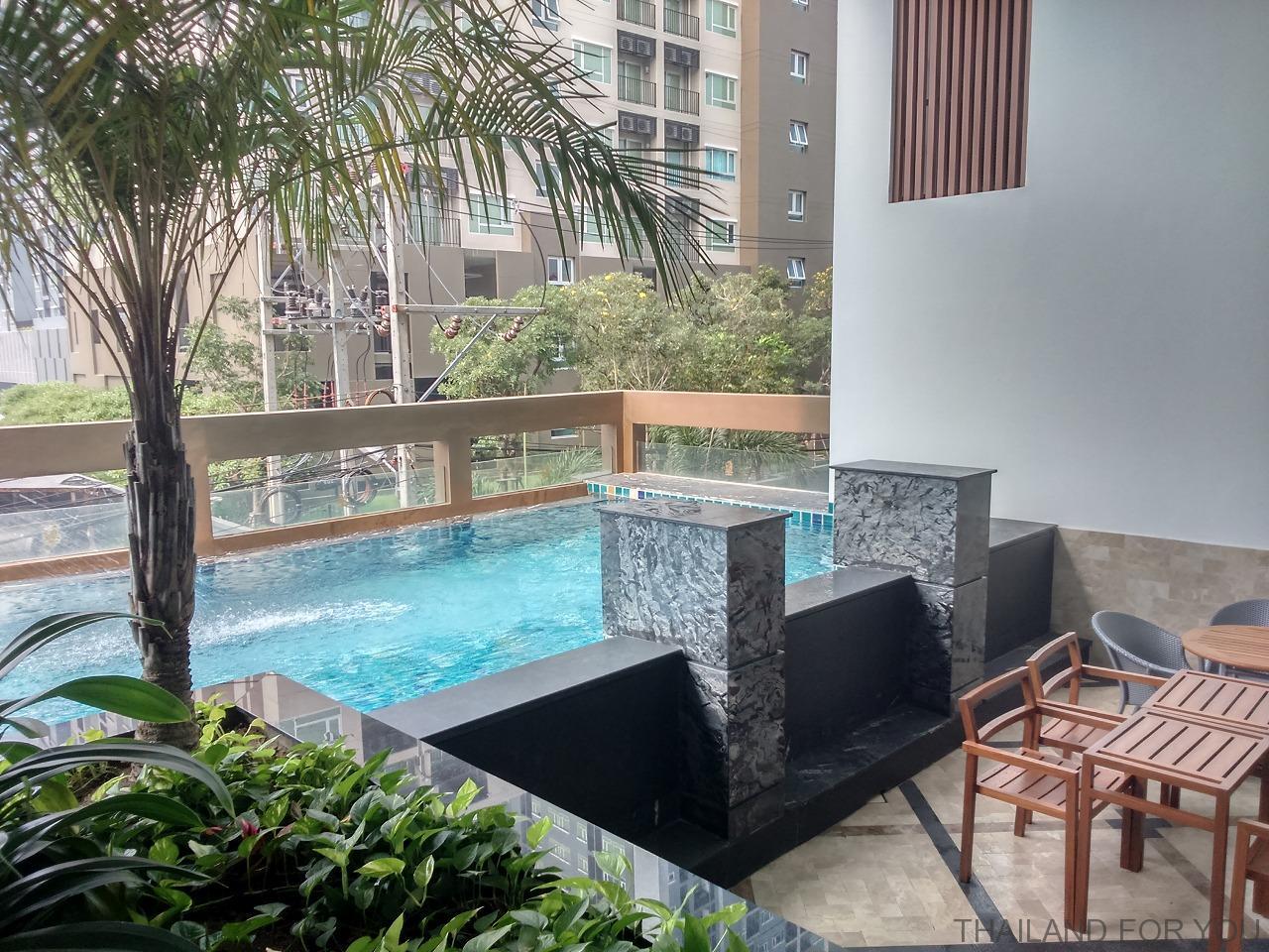 マーチホテル パタヤ 写真
