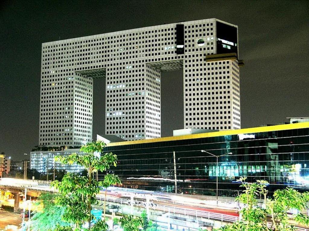 象ビル エレファントタワー ライトアップ 夜景 タイ バンコク 写真