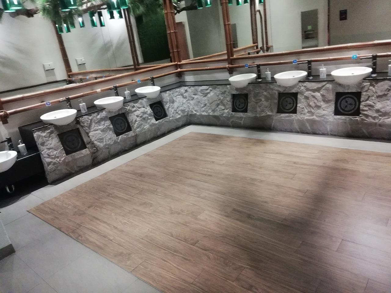 ターミナル21 コラート トイレ 東京 写真 画像
