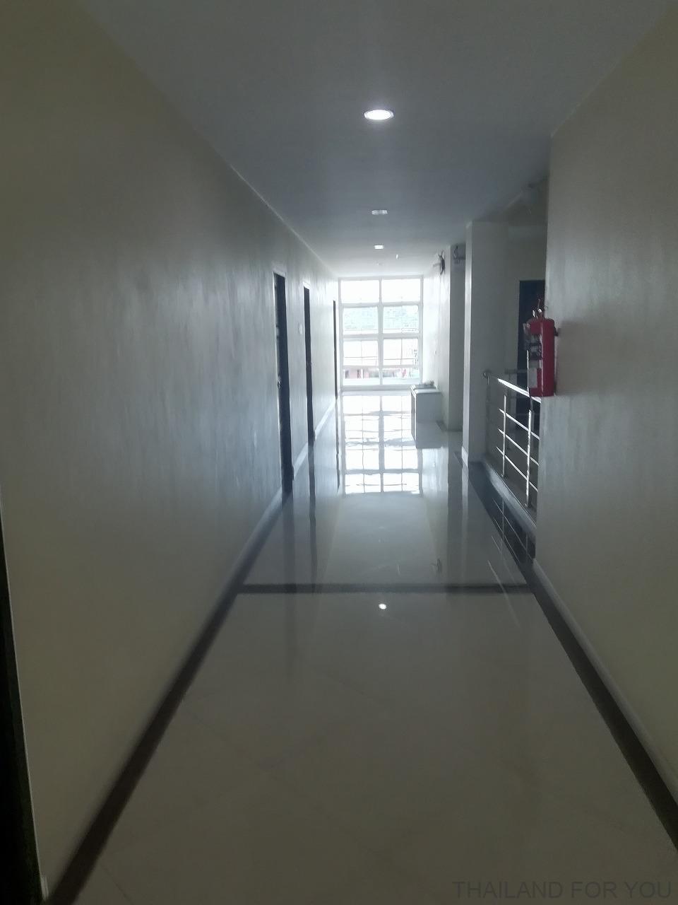 タイ ロイエット ルアンリムナームホテル