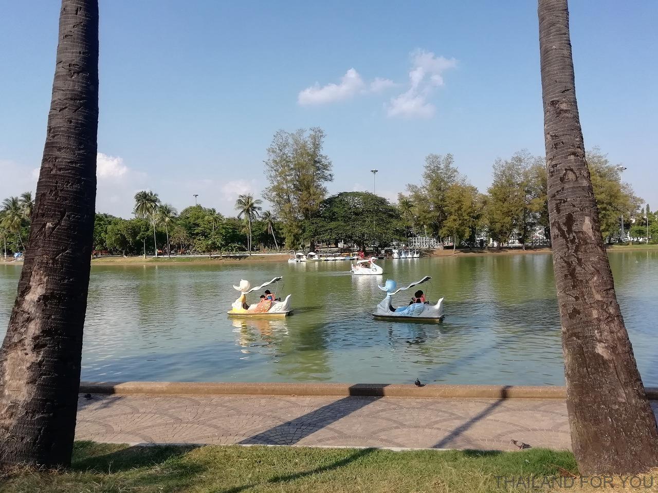 ローイエット プラーンチャイ湖 写真