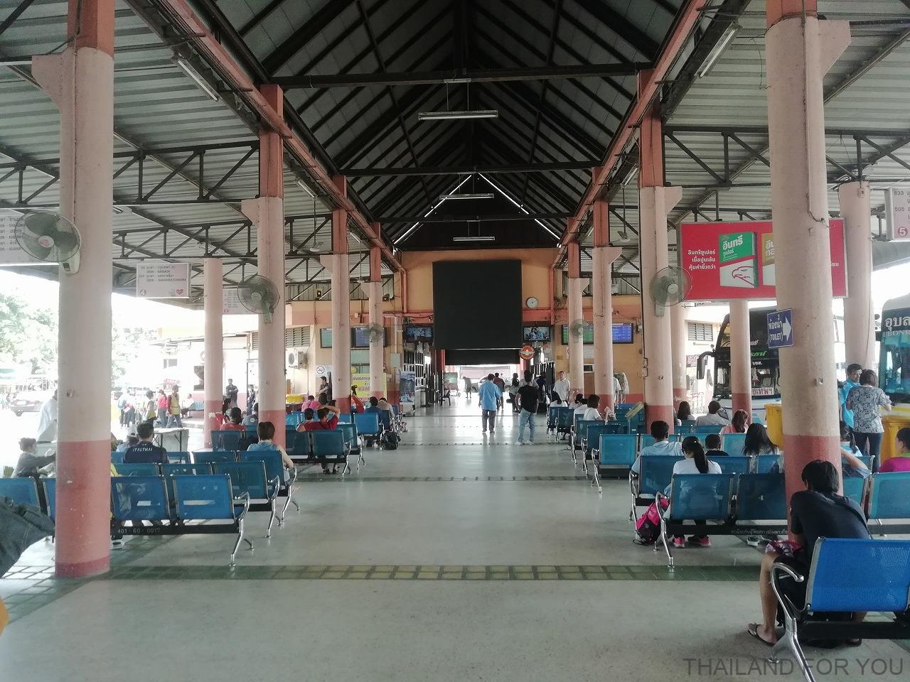 ウボンラチャタニ バスターミナル 写真