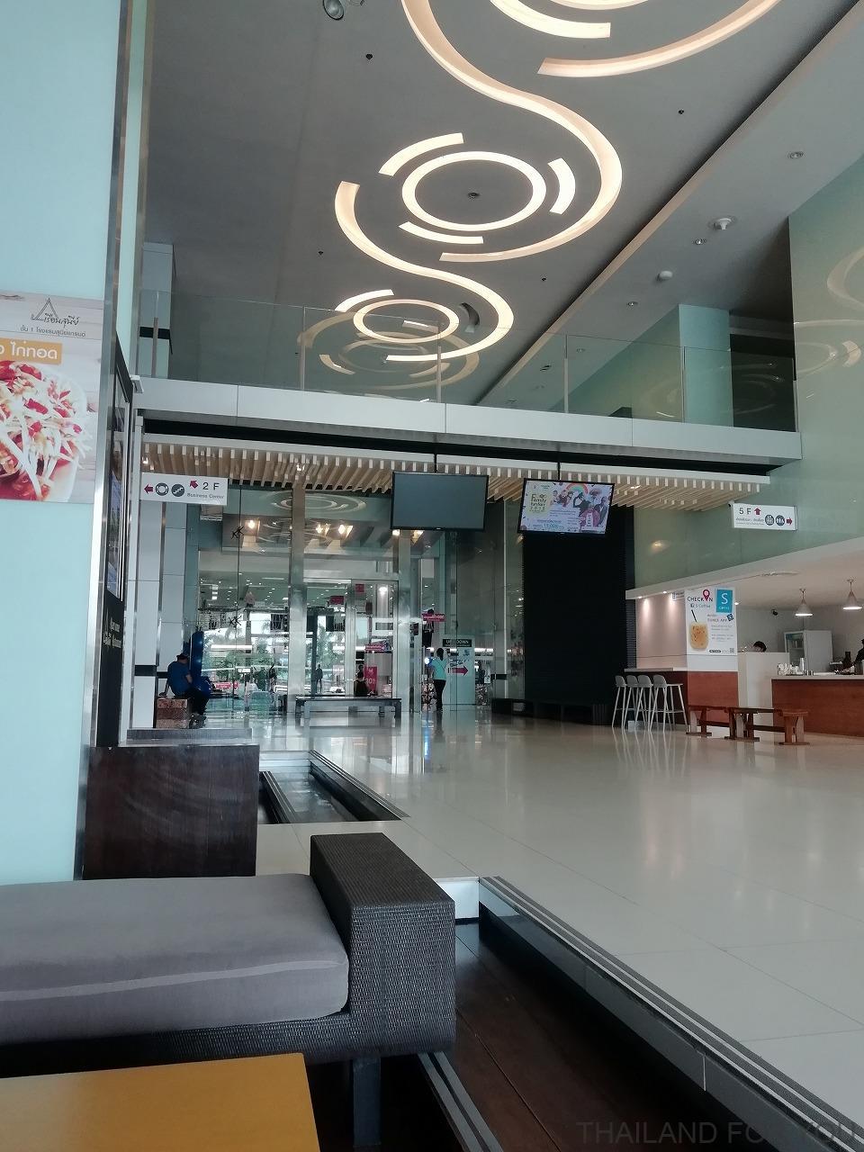 スニーグランドホテル ウボンラチャタニ 写真