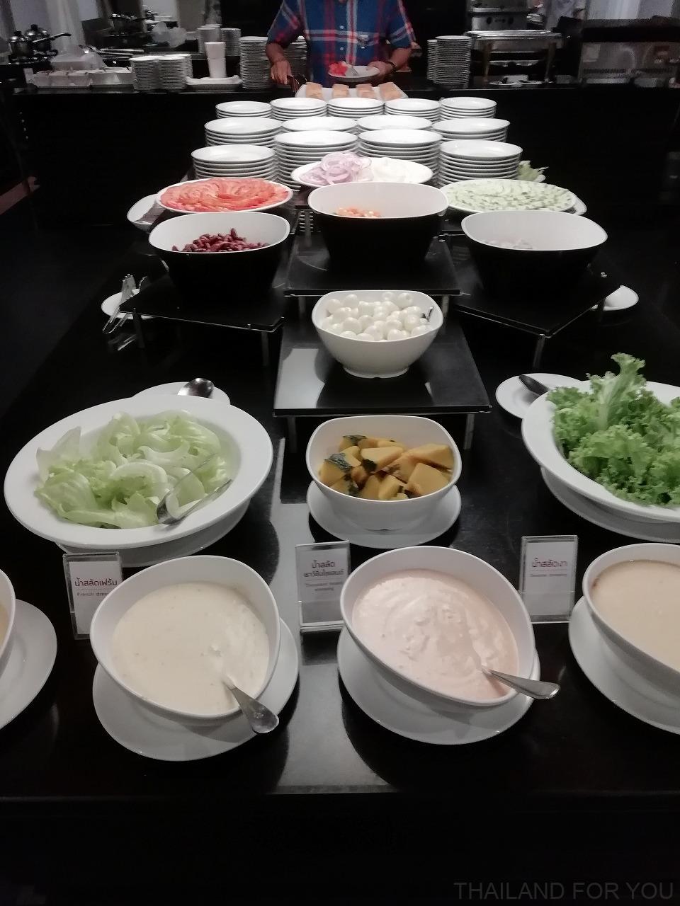 スニーグランドホテル ウボンラチャタニ 朝食 写真