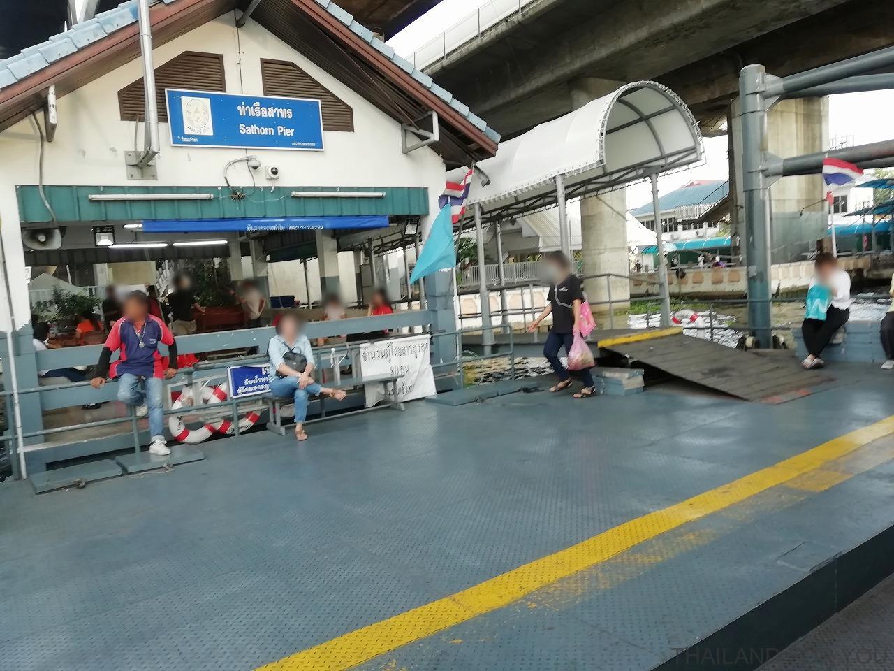 アイコンサイアム ICON SIAM サパーンタクシン駅 シャトルボート 写真