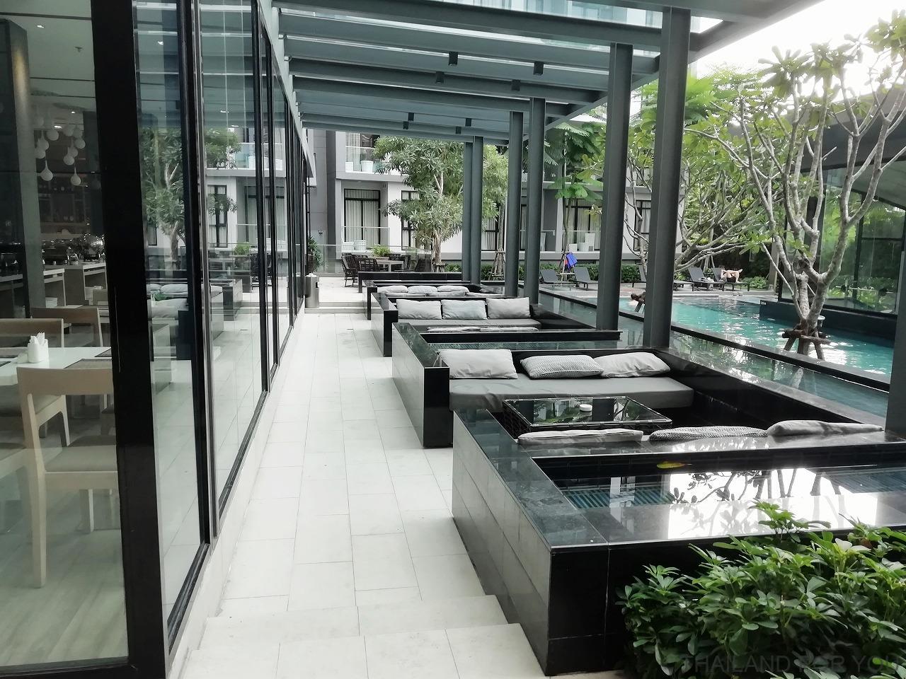 アーデンホテルアンドレジデンス パタヤ プール