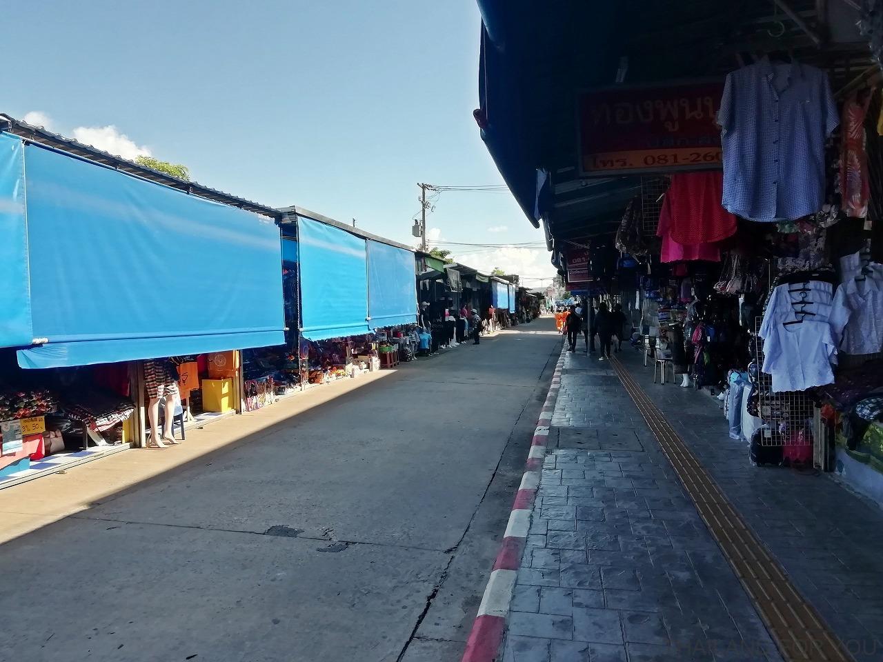 ムクダハーン インドシナマーケット タイ