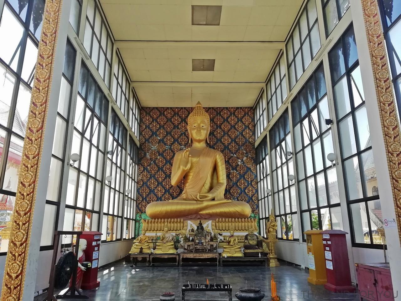 ムクダハーン ワットヨートケーオシーウィチャイ Wat Yot Kaeo Sriwichai タイ