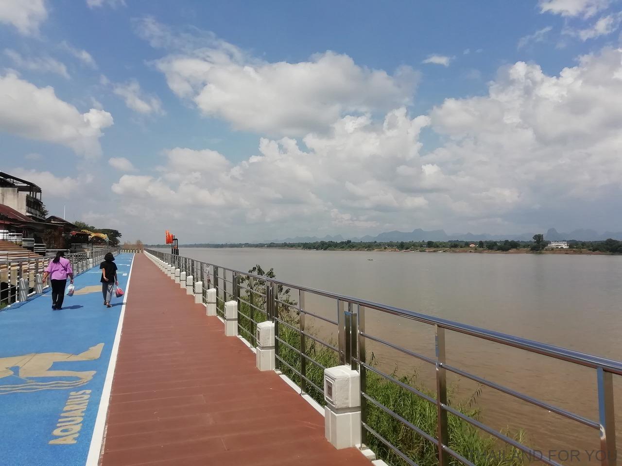 ナコンパノム タイ メコン川